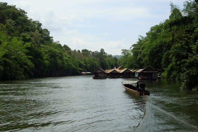 Thailand, Kanchanaburi, Excursion on the River Kwai